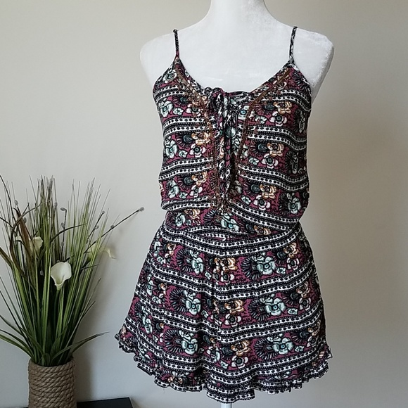 c0e8c35ed68 American Eagle Outfitters Pants - ❤ New American Eagle Floral Pleated Romper  ❤